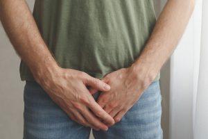 Como fazer a auto-avaliação do câncer testicular