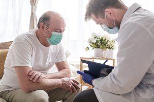 Devo continuar fazendo exames de PSA após o tratamento do câncer de próstata?